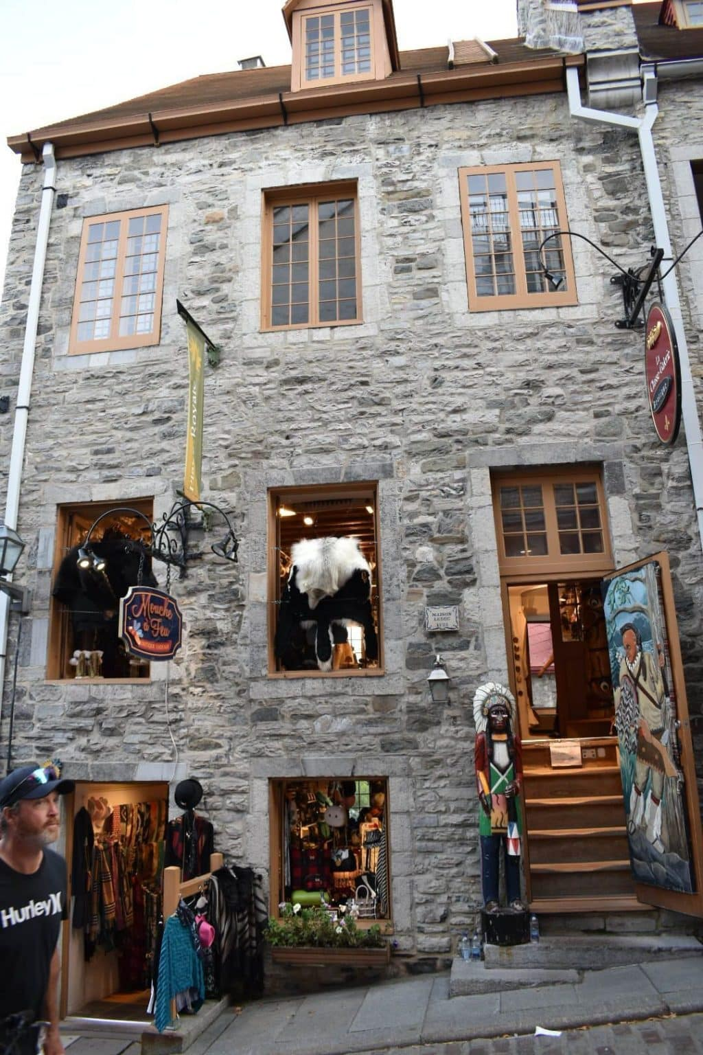 Store in Old Quebec