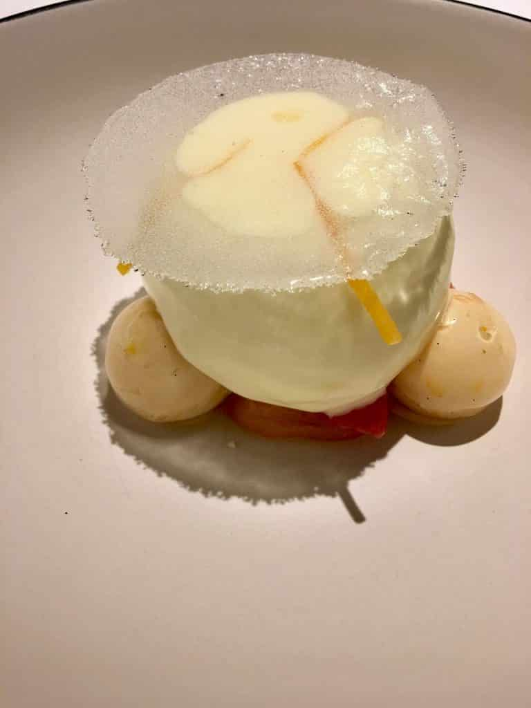 White Cheese in sorbet with meringue