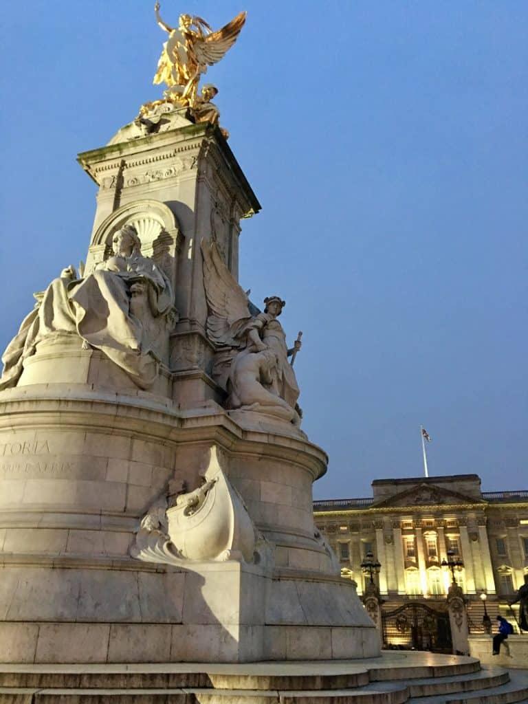 Buckingham Palace area