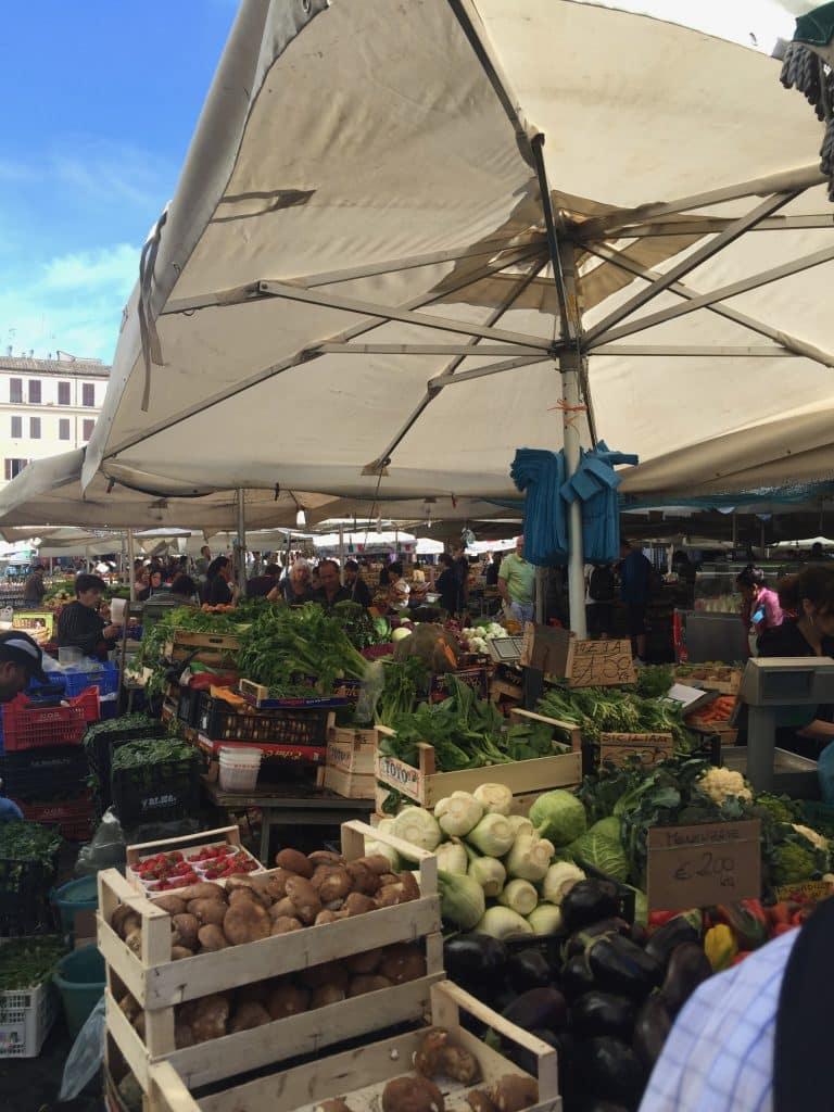 open food market in Rome