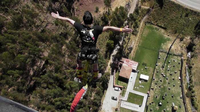 Adventure Travel: Adventure Seeker Bungee Jumping in Peru