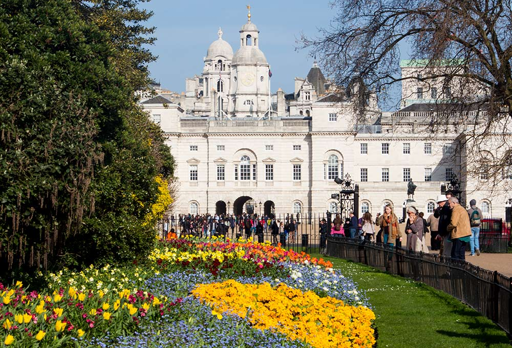 Beautiful flowers and gardens around the world: St. James Park, London
